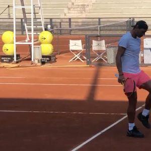 """Колко """"крачета"""" може да направи Надал с тенис топката?"""