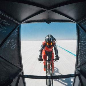 Жена поставила нов светски рекорд во брзина на возење на велосипед