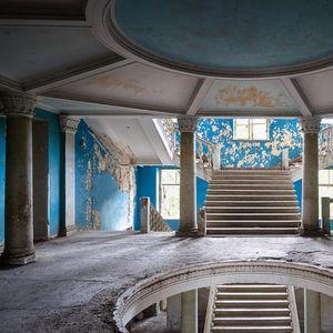 Тука се собирала елитата, а една од куќите е посебно изградена за Сталин: Некогаш прекрасната бања сега се распаѓа, а еве кој живее во неа