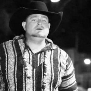 35-годишниот пејач се убил на снимање на спот: Случајно си пукал во себе со пиштол