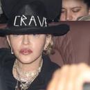 Мадона пристигна во Тел Авив со приватен авион и 135 луѓе: Резервирала цел спрат од хотел за нејзиниот тим