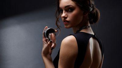 Женски парфеми коишто мажите ги обожуваат