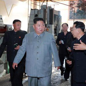Со ова Ким ќе удри на противниците: Севернокорејскиот лидер ја обиколил новата и моќна подморница, детално известен за нејзините можности