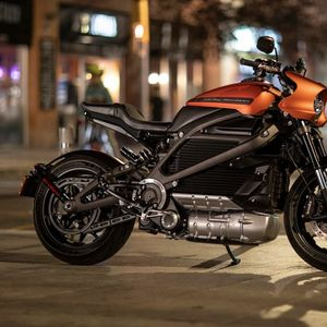 Сопствениците на електричниот Harley Davidson ќе добијат струја за 5 илјади километри