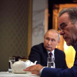 Славниот режисер го прашал Путин да биде кум на неговата ќерка! Рускиот претседател го прашал дали таа ќе премине во православие, а Стоун го шокирал со одговорот!