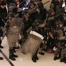 Нови немири помеѓу полицијата и демонстрантите на протестите во Хонгконг