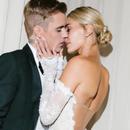 Конечно објавени фотографии од венчавката на Џастин Бибер: Натписот на венчаницата на манекенката е полн со љубов