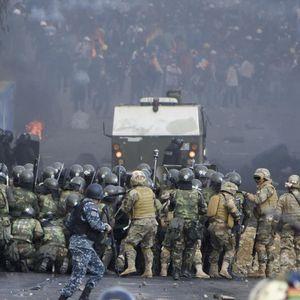 Хаос во Боливија, се водат борби за цистерни со гориво: Има и загинати...