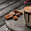 Боженствено топло чоколадо: Напиток кој ќе ве згрее во овие изненадно студени денови
