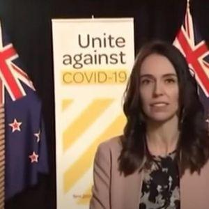 Одвај да трепнала кога се почнало да сè почнало да се тресе: Новозеландската премиерка продолжила со интервјуто насред земјотрес