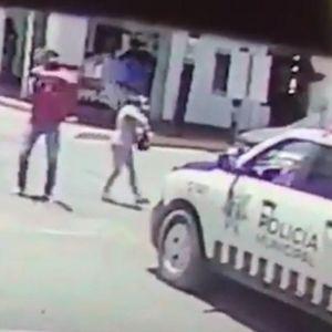 Им направиле заседа на полицајците: Се преправале дека се пар, а потоа почнале да пукаат! Страшен момент во Мексико насред бел ден
