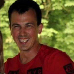 Богдан влетал со камион меѓу демонстрантите, неговата бремена жена сега моли за помош