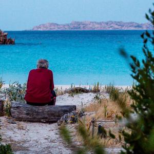 Овој човек веќе 31 година живее сам на остров, но сега ќе мора да се исели...