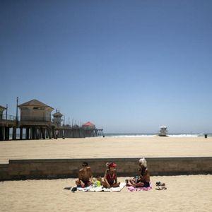 """4-ти јули во сенка на коронавирусот: Познатата калифорниска плажа """"морничаво"""" празна"""