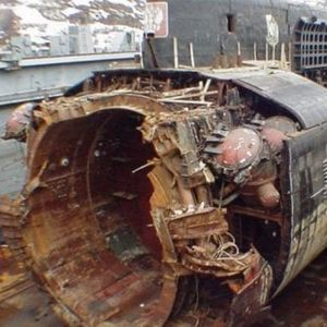 Денот кога Путин прв пат бил исвиркан: Руската подморница мистериозно потонала, а тој исчезнал на неколку дена