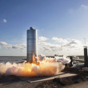 Со оваа ракета Илон Маск сака да ја освои вселената! Огромна е, но...
