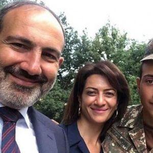 Синот на ерменскиот премиер оди во војна! Мајка му го испратила со зборовите: Нема ништо поблагородно од тоа да загинеш за татковината
