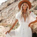 Топ 10 модни трендови за лето 2021: Вака ќе се облекуваат жените со стил оваа сезона