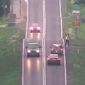 Погледнете како полската полиција ги фаќа неодговорните возачи: Никој од нив не знае од каде ги снимаат