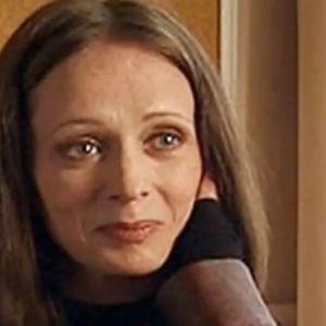 Пред 13 години беше пронајдена мртва, опкружена со шприцеви: Сцената од станот и денес предизвикува морници, а животот ѝ го одбележа трагичната љубов