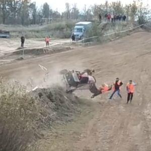 Страотна несреќа на автокрос во Белорусија (вознемирувачко видео)
