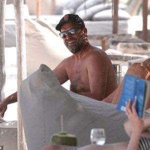 """Клоп планот за титула од Премиер лигата го """"кова"""" на мексиканска плажа"""