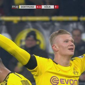 """Што е со ова момче? Халанд влезе и даде два гола пред """"жолтиот ѕид"""" во Дортмунд!"""