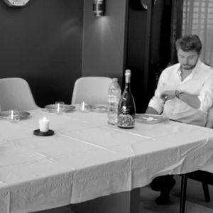 Вавринка покажа како се слави роденден во изолација