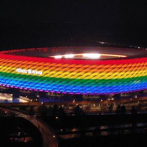 """УЕФА забрани """"Алијанц арената"""" да биде обоена во боите на виножитото"""