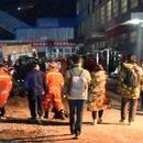 Десетки миньори са блокирани в китайска мина - Труд