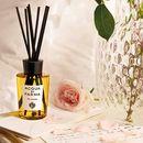 AcquadiParmaHomeCollectionсимбол на италијанскиот животен стил создаде 10 мириси за свеќи и освежувачи во домот.