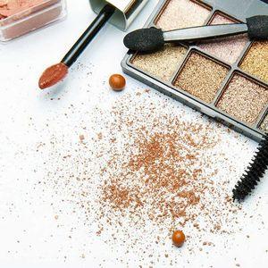 5 правила за шминкање кои можете слободно да ги прекршите!