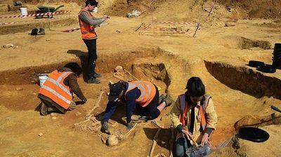Во Англија откриени мистериозни скелети со черепи меѓу нозете