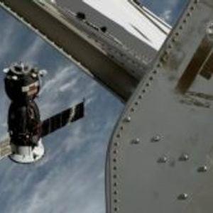 Леталото Soyuz успешно ги врати астронаутите од Меѓународната вселенска станица