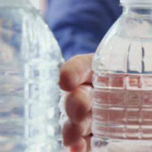 Ford рециклира пластични шишиња и ги трансформира во материјал за ентериер