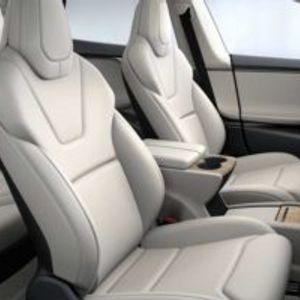 Tesla патентираше нов метод за загревање и вентилација на седиштата