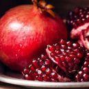 КАЛИНКА – Овошје што го запира времето и спасител на срцето и чувар на косата