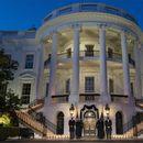 (Видео) Белата куќа им оддаде почит на 500.000 Американци починати од Ковид-19