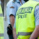 Се судрија полициско возило и комбе – ПОВРЕДЕН ПОЛИЦАЕЦ
