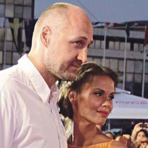 """Сопругата на славниот кошаркар Дино Раѓа """"пиштол"""" гола на фотографија: Го прифати предизвикот – им ја падна вилицата!"""