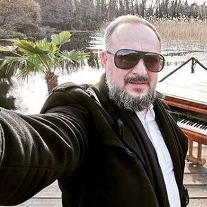 """Ѓоко """"Фиш"""" Таневски на денот на АРМ, среде настап занеме како риба: Ја имаше силата, ама му го снема гласот!"""