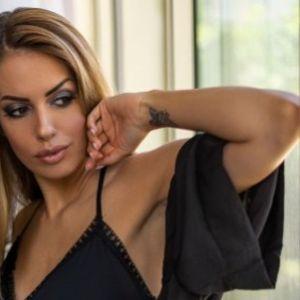Александра Мастелица е сон на секој маж: Таа е моделот по кој воздивнуваа соседството