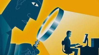 Зошто ги шпионираме бившите на социјалните мрежи?