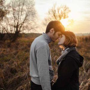 Како лошото детство влијае во љубовните врски кога ќе пораснеме?