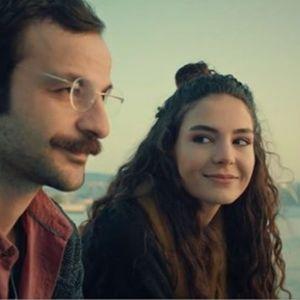 """Бурџу, саканата на Осман од """"Истанбулската невеста"""" е """"риба ипол"""" во бикини"""