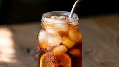 3 освежувачки пијалаци со кафе за престојните топли денови