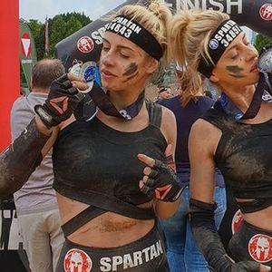 """Близначките Марија и Магдалена пред две години разочарани од власта си замнаа од Македонија, а сега производите на македонските """"сестри – спартанки"""" се атракција во Германија"""