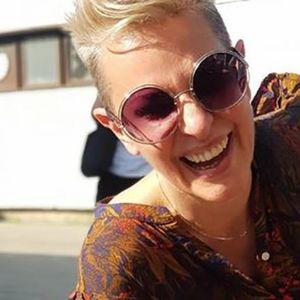 """Тијана Дапчевиќ на плажа во Грција сними несекојдневна глетка: """"Дојдоа другарките"""""""