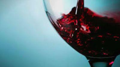 Една лажица дневно лечи аритмија и ангина пекторис: Овој народен напиток е спас за лицата со срцеви проблеми