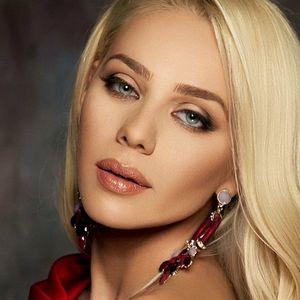 Некогашната мегапопуларна бугарска поп-фолк ѕвезда Гергана сега работи како касиерка во еден софиски супермаркет (ФОТО+ВИДЕО)